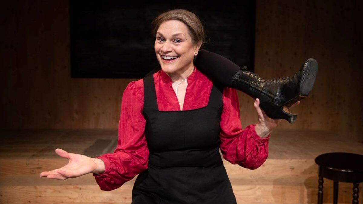 Actress Anita Hollander